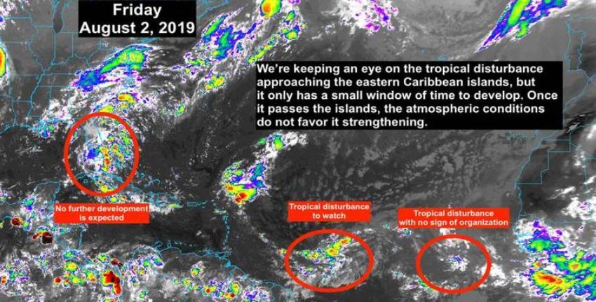 Débil perturbación tropical cerca de Florida trae lluvias fuertes