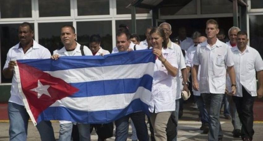 Doce médicos cubanos se habrían contagiado de Covid-19 en Venezuela