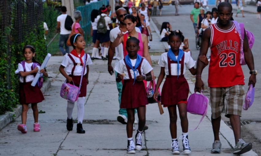 El inicio del curso escolar en Cuba, complejiza la situación económica de muchas familias en el país