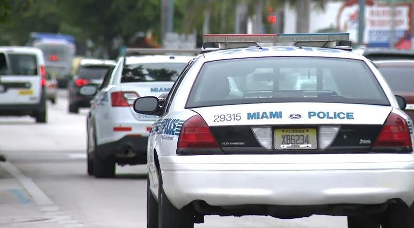 Tres personas en condición crítica después de un tiroteo en un vecindario de Miami
