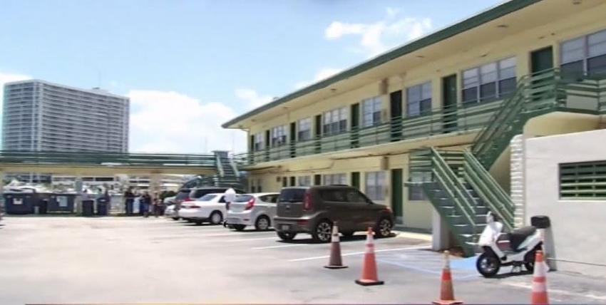 Inquilinos se quejan de que le subieron la renta en Miami Beach y no tienen dinero para mudarse a otro sitio