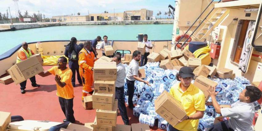 Royal Caribbean lleva toneladas de comida y suministros a Bahamas