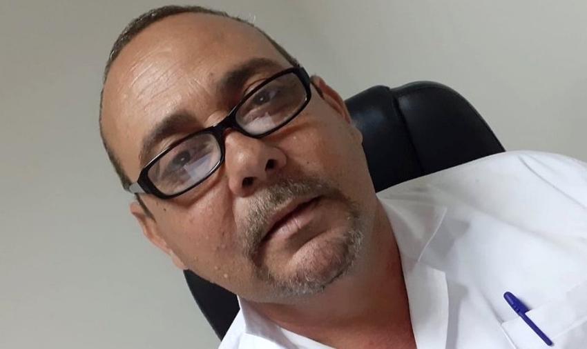 Expulsaron a un médico cubano de una misión en Mauritania, y murió de un infarto en el aeropuerto de París