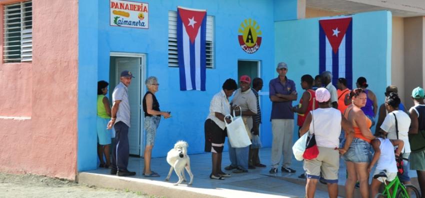 Cierran panaderías al oriente de Cuba, por la escasez de combustible