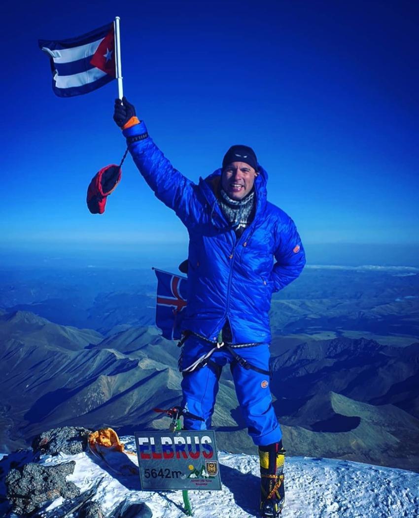 Un habanero se convierte en el primer cubano en subir a la cima del monte Elbrús