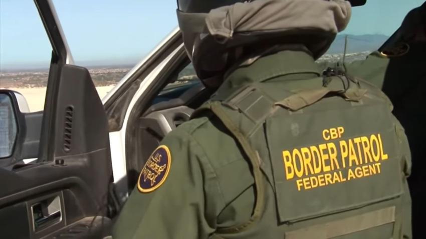 Autoridades de la Patrulla Fronteriza de Estados Unidos impiden el paso de cerca de 100 cubanos que pretendían pasar a Texas a pedir asilo