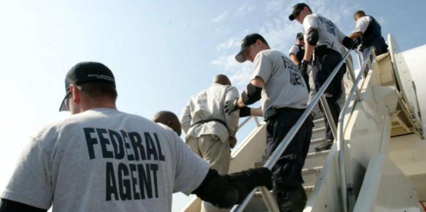 Estados Unidos deporta a 119 cubanos a Cuba en un solo vuelo