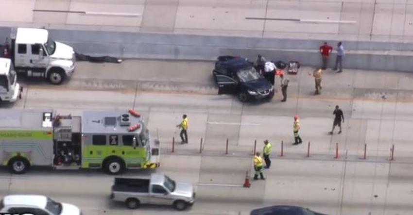 Cierran la I-95 al sur para investigar accidente donde murió un adolescente y su madre quedó en estado crítico
