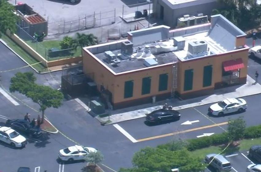 Fuerte presencia policial por posible tiroteo en un restaurante Popeye's en Miami