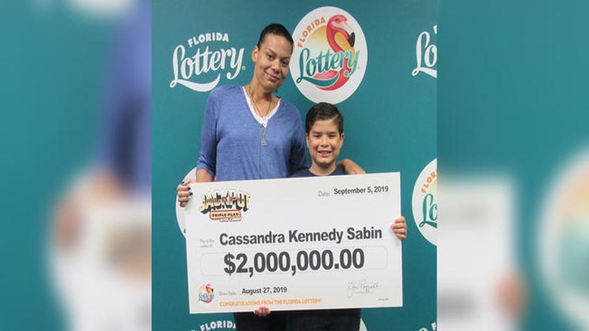 Mujer de Miami se gana $2 millones en la lotería con un ticket comprado en Publix