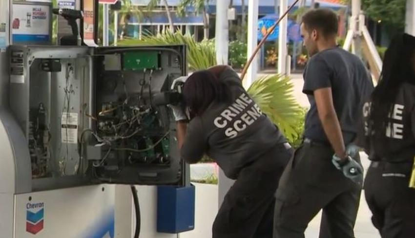 Descubren decenas de lectores de tarjetas ilegales instalados en varias gasolineras en Florida