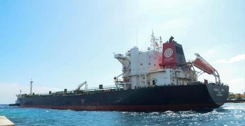 Cargueros venezolanos se dirigen hacia Cuba con tres millones de barriles de petróleo