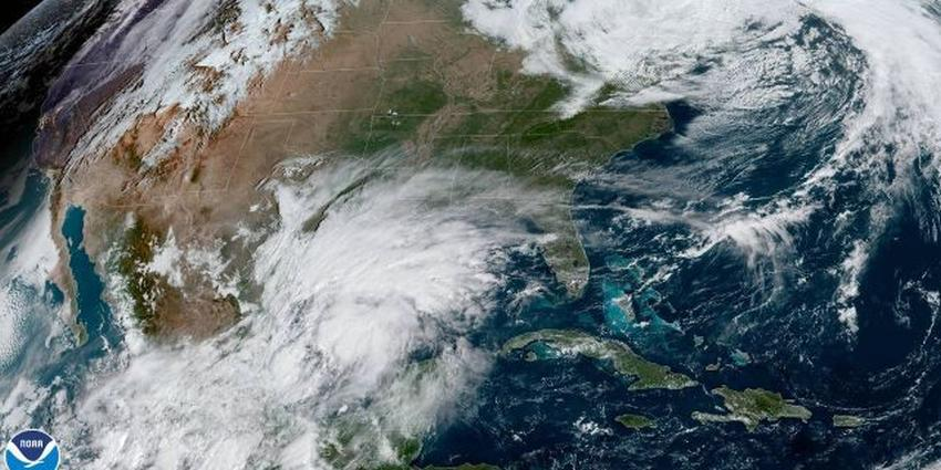 Perturbación sobre el Golfo de México podría convertirse en tormenta tropical Nestor