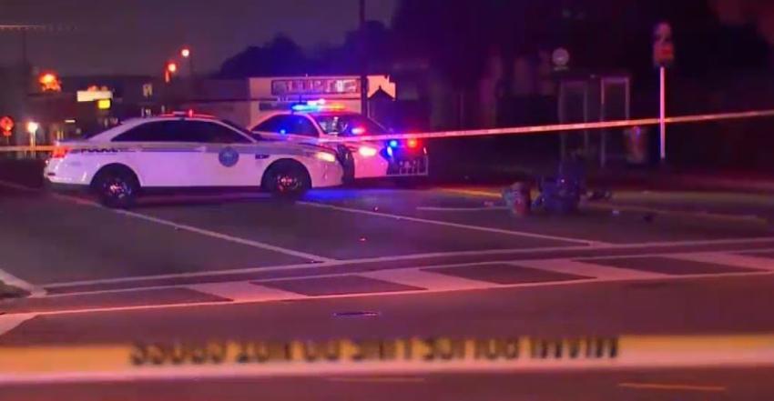 Policía busca a un conductor que atropelló a una anciana en silla de ruedas y se dio a la fuga en el noreste de Miami