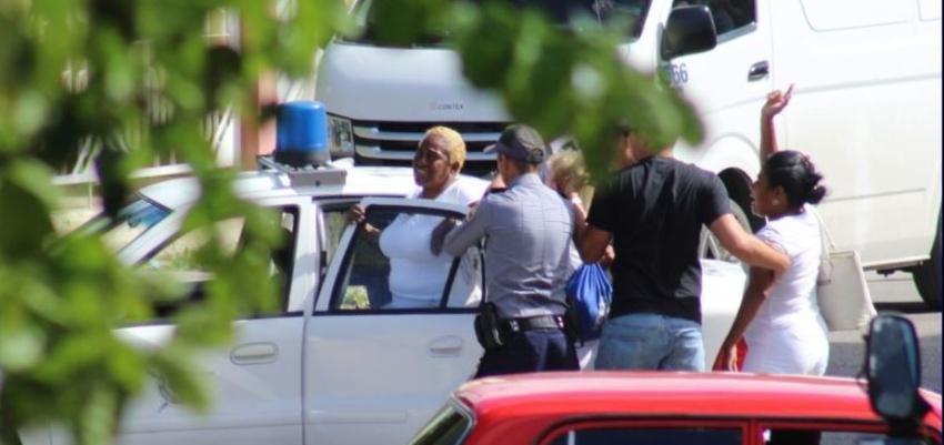 Decenas de Damas de Blanco detenidas este domingo en otra jornada represiva contra la disidencia
