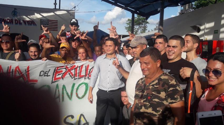 """Cubanos que llamaron """"presidente"""" a Eliécer Ávila en Reynosa, México, ahora le reclaman"""