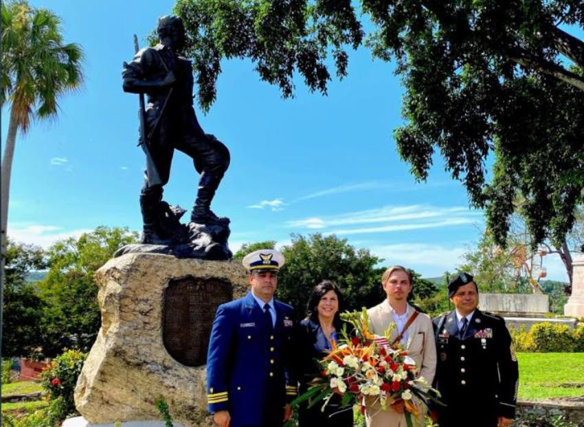Encargada de negocios de la Embajada de EEUU en La Habana rindió homenaje a los caídos en la Guerra de Independencia cubana