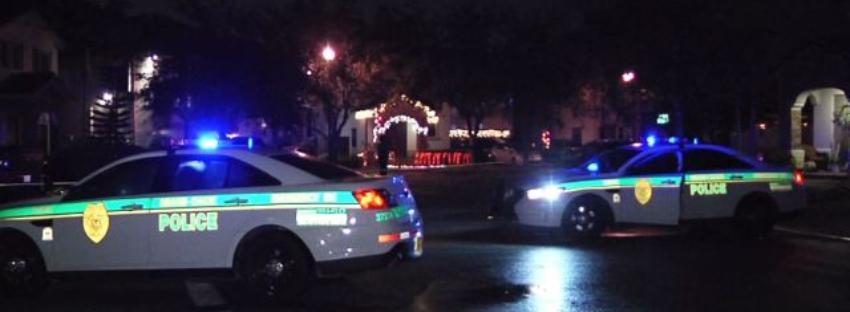 Apuñalan en el pecho a una persona, durante un robo a mano armada en una estación de servicio en Miami-Dade