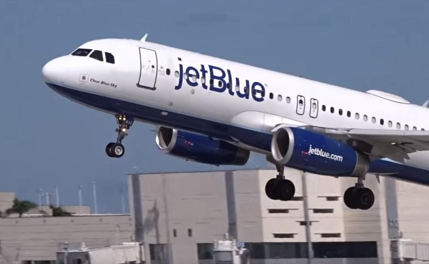 Aerolínea estadounidense JetBlue aumenta sus tarifas de equipaje