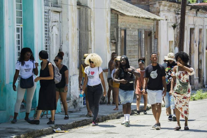 Abre tienda privada en La Habana para promover la cultura Afro en Cuba