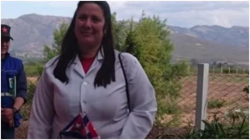 Autoridades en Bolivia arrestan a la jefa de la misión médica de Cuba en ese país