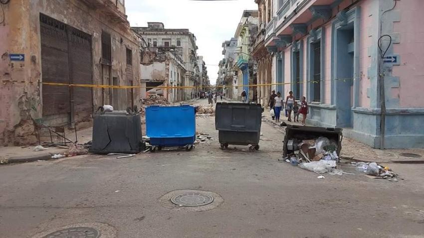Cubanos le piden al gobierno que se ocupe de la suciedad en las calles de La Habana en vez de recoger perros