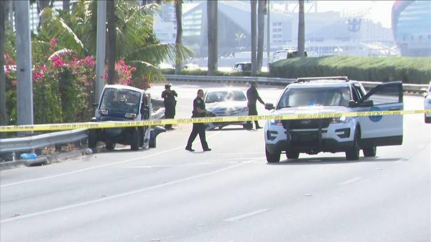 Reabren MacArthur Causeway en Miami Beach después de accidente entre un automóvil y un carro de golf
