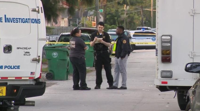 Mata a tiros a un hombre que lo amenazaba con un rifle AK-47 en Liberty City