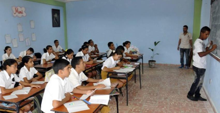 Escuelas Secundarias cubanas comenzarán a impartir clases de chino a los estudiantes