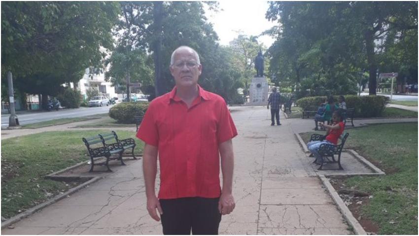 Viceministro de Cultura de Cuba reta a usuarios de Twitter a fajarse en la calle