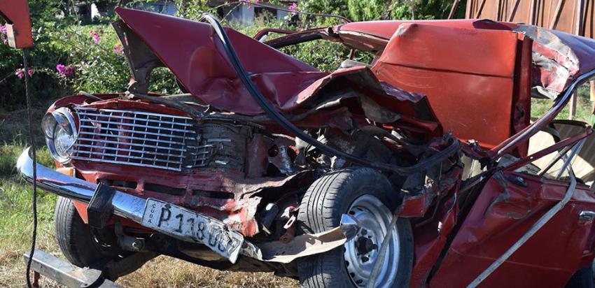 Un fallecido y tres personas con lesiones severas tras accidente de tránsito en Bayamo