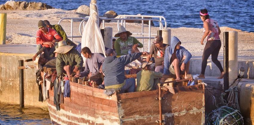 Un grupo de 31 balseros cubanos llegó a Islas Caimán tras cinco días en el mar