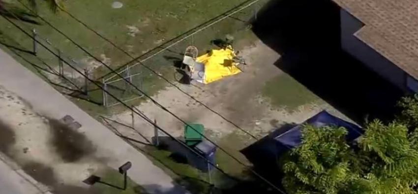 Encuentran un cadáver afuera de una casa al suroeste de Miami-Dade