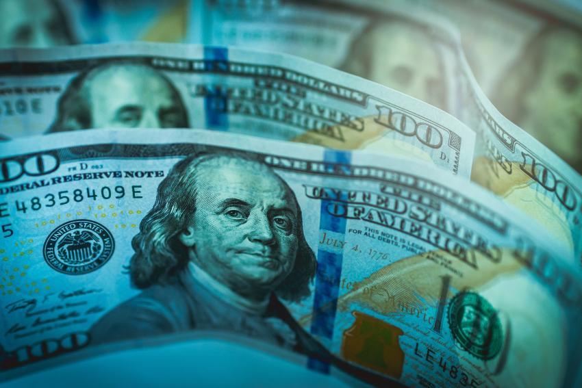 El Servicio Secreto emite advertencia sobre nuevos billetes falsos de $ 100 dólares