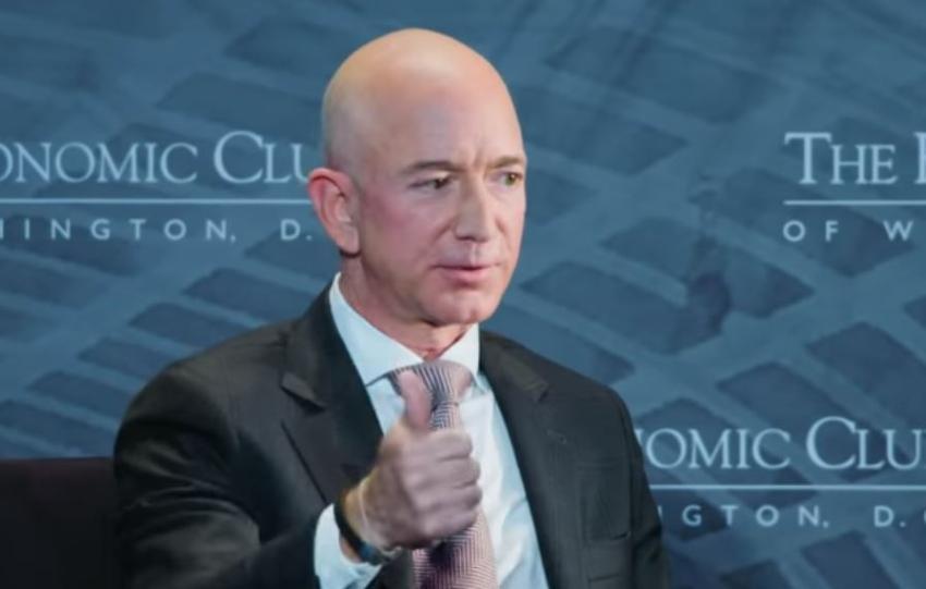 Jeff Bezos, el hombre más rico del mundo, rompe su propio récord de riqueza