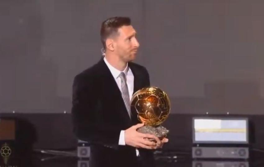 Futbolista Lionel Messi se lleva el Balón de Oro