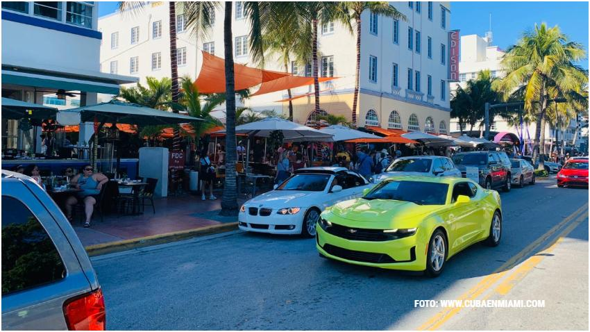 Alcalde de Miami Beach propone convertir Ocean Drive en una calle peatonal en días selectos
