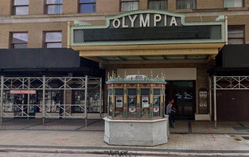 Herederos de quien donara el Teatro Olympia en el Downtown de Miami a la ciudad presentan una demanda para retomar la propiedad