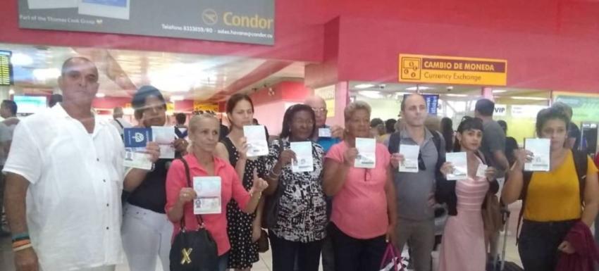 """Activistas y periodistas """"regulados"""" convocan a una protesta en el Aeropuerto José Martí"""