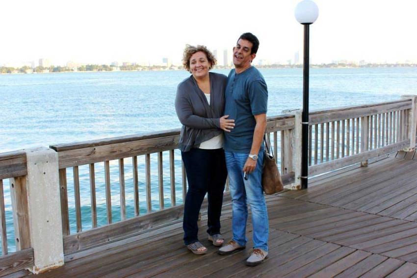 Humorista cubano Ulises Toirac celebra 25 años de casado