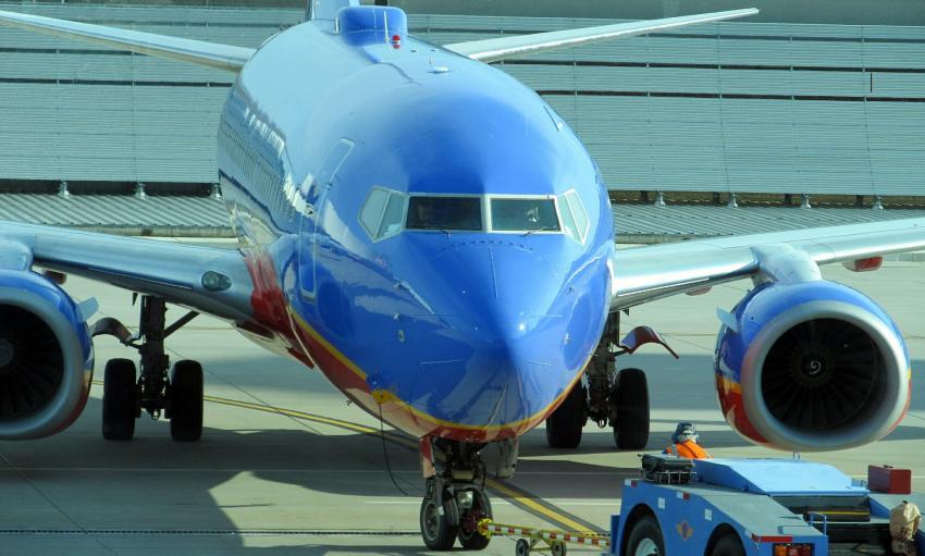 Varias Aerolíneas en Estados Unidos suspenden la venta de alcohol en los vuelos debido al coronavirus