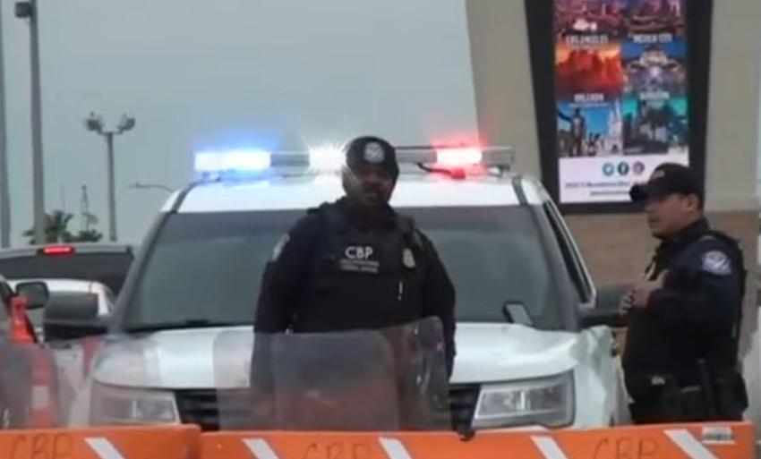 Un hombre se suicida en un puente fronterizo al serle negada la entrada a Estados Unidos