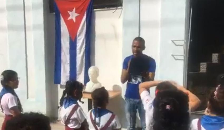 Gobierno de Cuba utiliza niños para hacer actos de repudio al grupo opositor Clandestinos