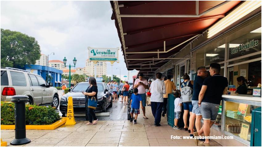 Cubanos en Miami reaccionan a la suspensión de vuelos chárter a Cuba menos al aeropuerto de La Habana