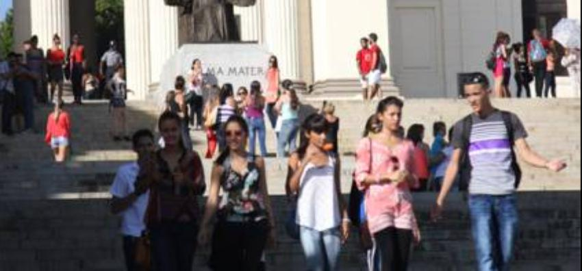 Abre convocatoria para que jóvenes cubanos estudien en EEUU, a través de una beca del programa Líderes Sociales