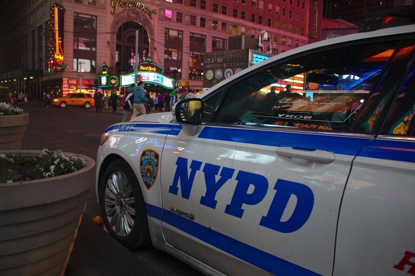 Policía de Nueva York toma medidas de seguridad extra tras las amenazas de Irán por el bombardeo que mató a uno de sus más importantes generales