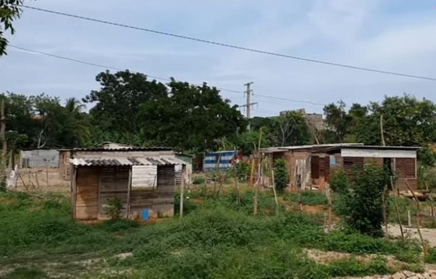 Gobierno cubano da 48 horas para desalojar a cientos de familias que construyeron sus viviendas en terrenos desocupados en el Cerro