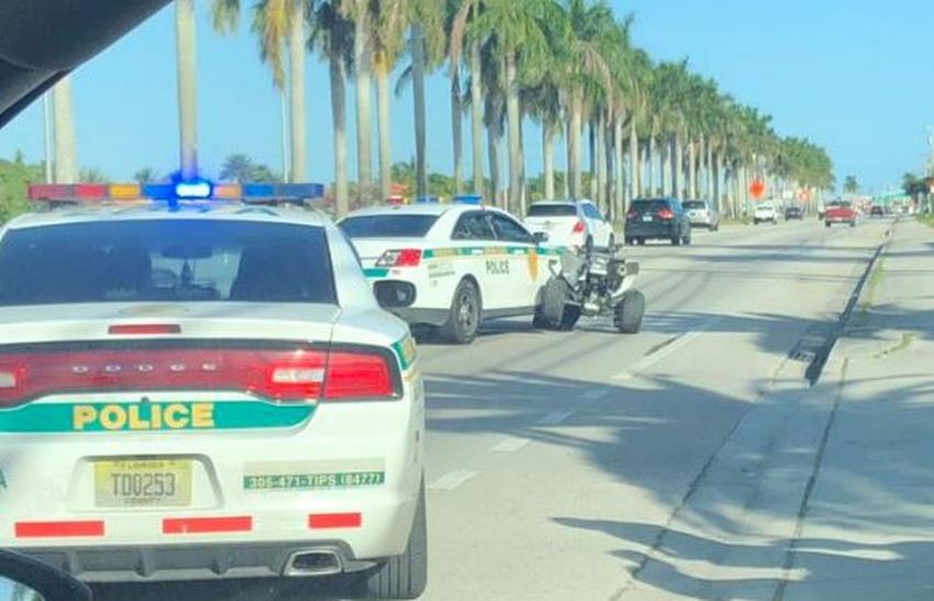 Conductor de todoterreno se estrella contra una patrulla de la policía de Miami Dade; dos hombres son arrestados