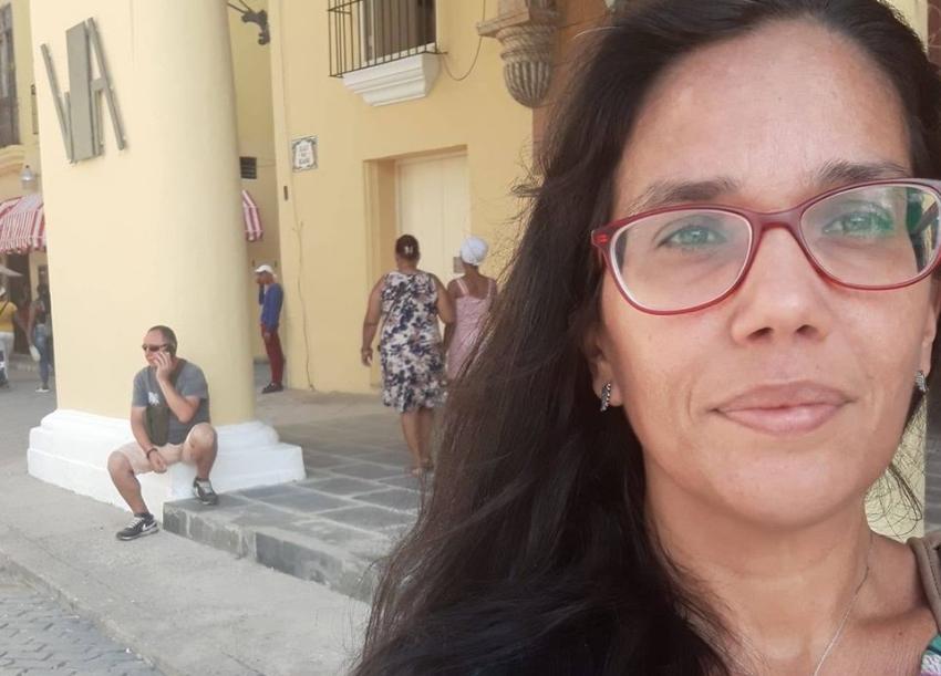 Seguridad del Estado amenaza a la periodista Luz Escobar en un nuevo interrogatorio