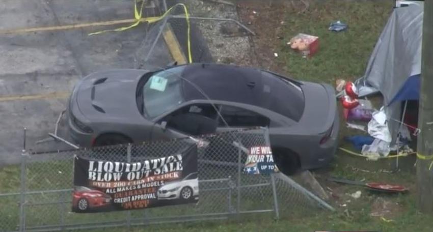 Niño de tres años muere atropellado por un vehículo que chocó contra una carpa de San Valentín en el suroeste de Miami